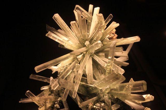 Свойства камня селенит: магические и лечебные, как носить и ухаживать