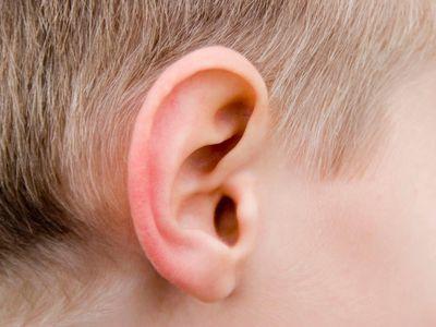 Примета: прыщ на ухе или мочке уха