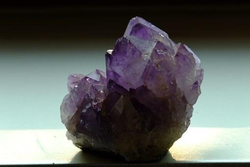 Свойства камня аметист: лечебные, волшебные, астрологическая совместимость