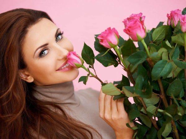 Четное количество цветов в букете для девушки: значение приметы
