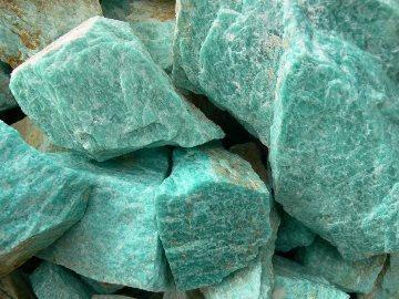 Свойства камня амазонит: мистические, лечебные, влияние на знаки Зодиака