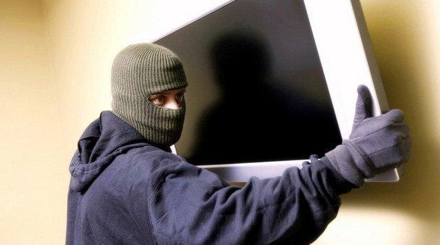 Заговор от воров: как уберечься от кражи и наказать виновного