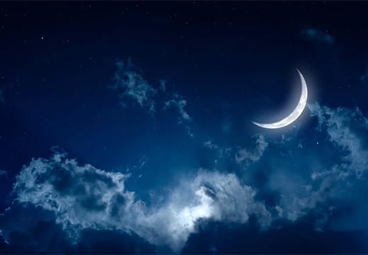 Заговоры на растущую луну: обряд со свечой, медом, ритуал на исполнение желаний