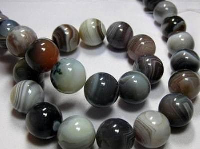Свойства камня оникс: магические и лечебные, правильный уход