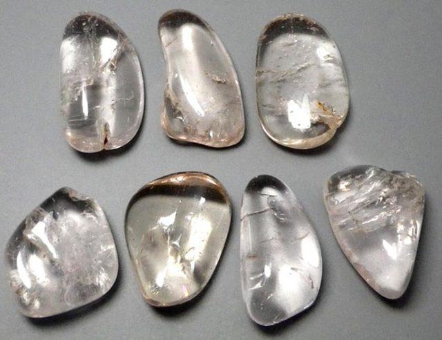 Свойства камня морганит: лечебные, мистические, кому подходит по Зодиаку