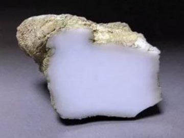 Свойства камня кахолонг: лечебные, магические, кому подходит по Зодиаку