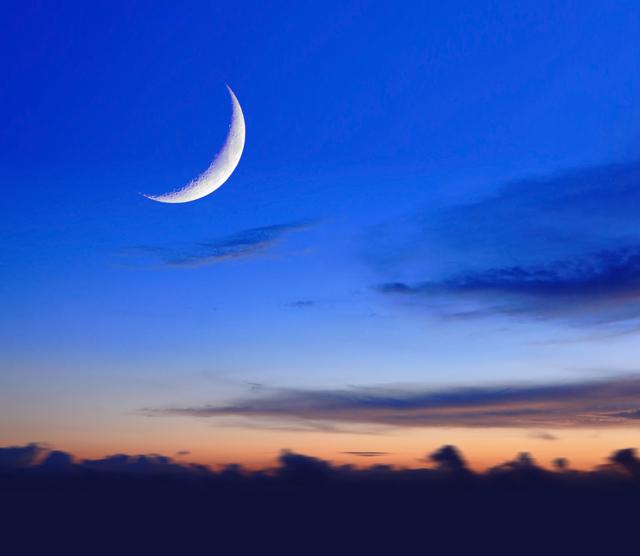 Привлечение денег на растущую луну: приметы, обряды и ритуалы