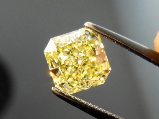 Свойства камня фианит: лечебные, мистические, кому подходит по Зодиаку