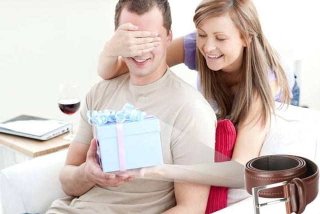 Ремень в подарок мужчине: толкование приметы