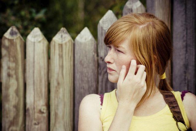Горящие щеки: к чему, в какой день, левая или правая